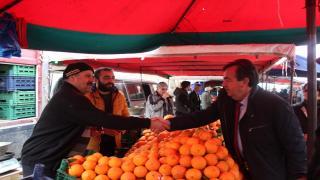 CHP Belediye Başkan Adayı Emin Ege Perşembe Pazarı Esnafını Ziyaret Etti